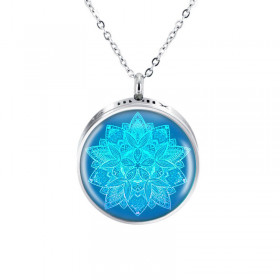 Collier Blue
